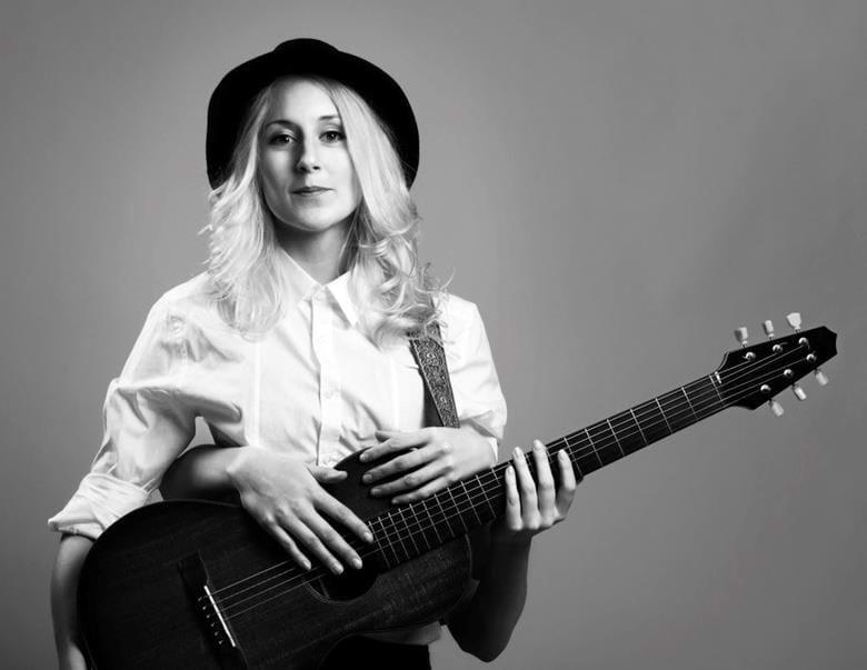 Frida Andersson, musikern med texter som är outstanding!