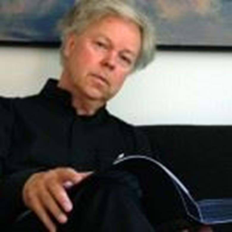 Hans Pålsson, en av våra mest kända och folkkära artister spelar och berättar om Beethoven. På programmet står bl.a. Eroica-variationer och den sista pianosonaten, opus 111. Hans Pålsson har en lång rad av framgångar både i Sverige och internationellt.