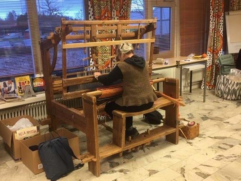 Kulturföreningen FlenVärldsOrkester har en ateljé där du kan skapa i olika tekniker.